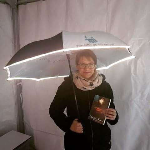 SchirmherrInnen-Schirm in Nutzung